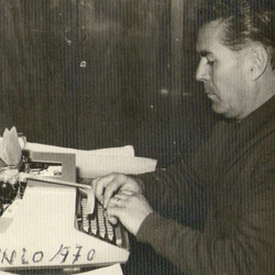 """Presentan el libro """"Salpicones de madrugada"""", sobre la labor periodística de Miguel Oyhanarte"""