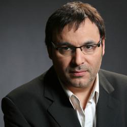 "Gabriel Rolón llega con ""Historias de Diván"""