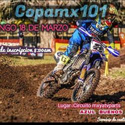 Carrera de Motocross en Azul!