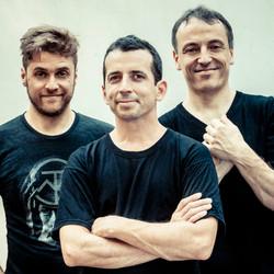 Vuelve Aca Seca Trio