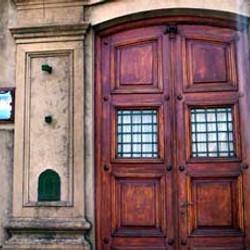 Edificio Biblioteca Mitre / La casa de la Cultura