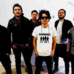 El punk rock dice presente con Embajada Boliviana en Azul