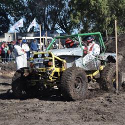 Tapalqué vibró con el rugir de los Jeeps