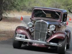 Carrera de autos antiguos en Villa Maza